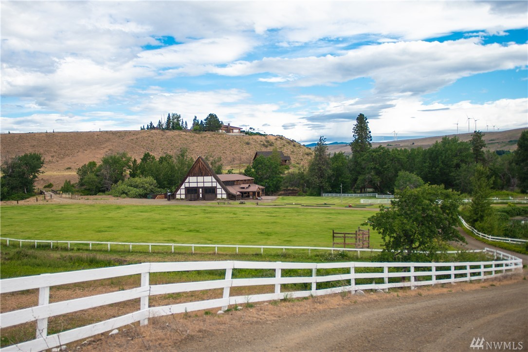 Photo of 1601 E Taneum Rd, Thorp, WA 98946