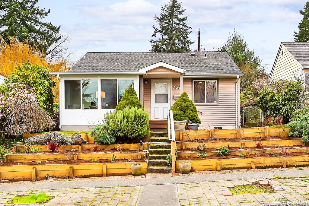 Photo of 7537 30th Ave SW, Seattle, WA 98126