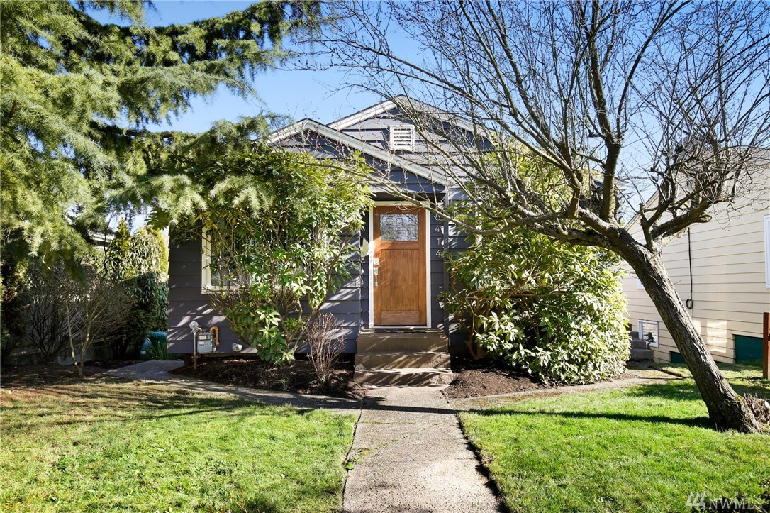 Photo of 8414 9th Ave SW, Seattle, WA 98106