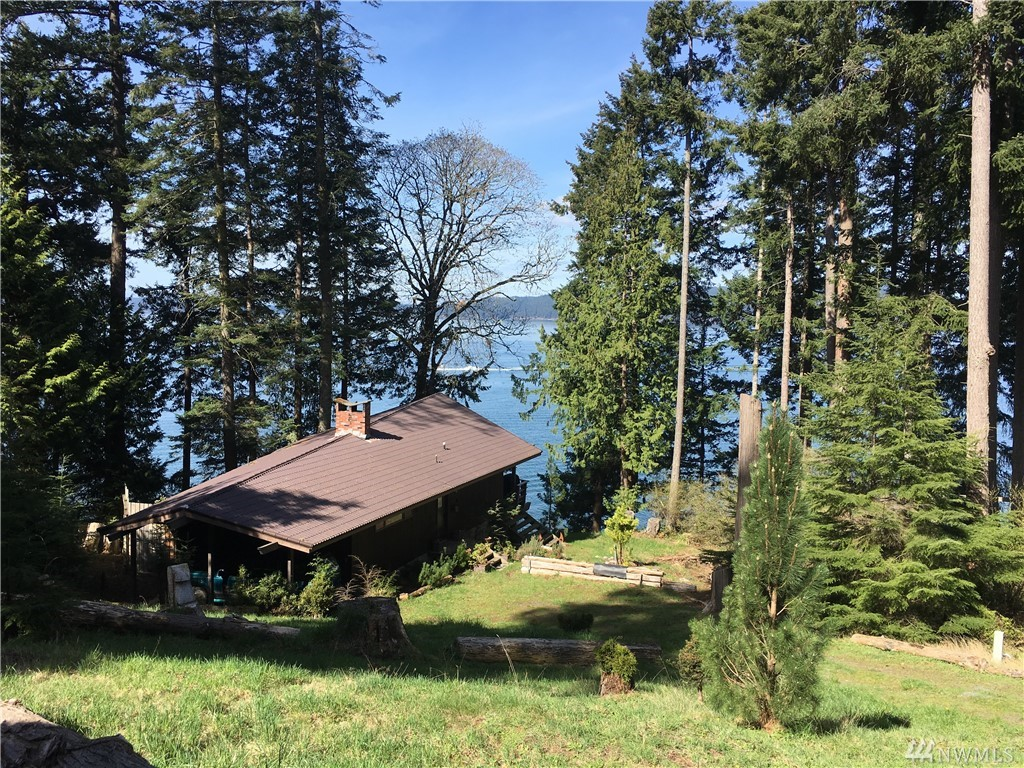 Photo of 312 Eagle Bay Rd, Blakely Island, WA 98222